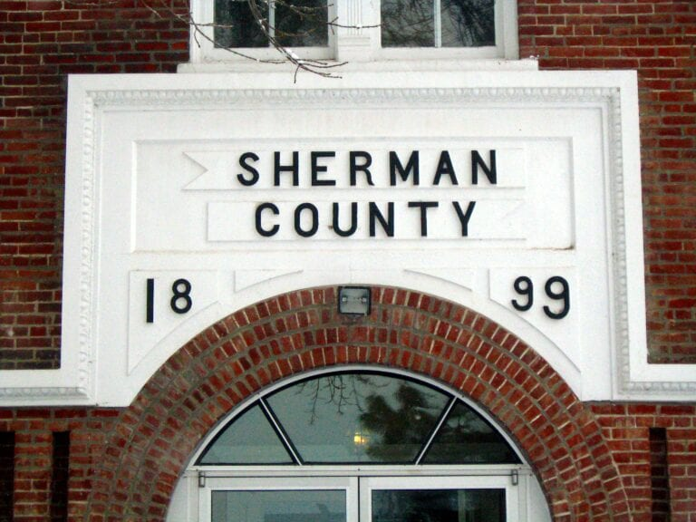 New Sherman County Commissioner sworn in