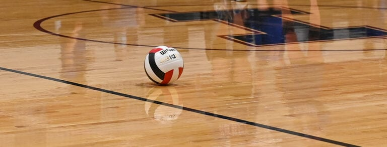 Volleyball: Condon bests Ione in 5 sets