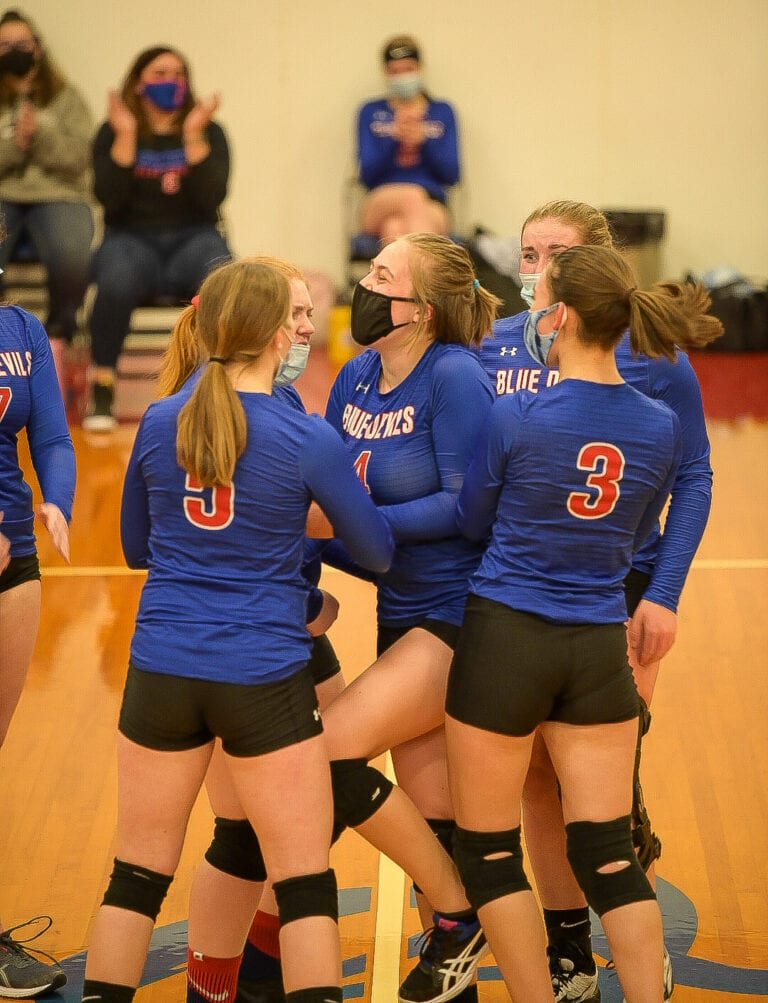 Condon dismantles Ione in 3 sets